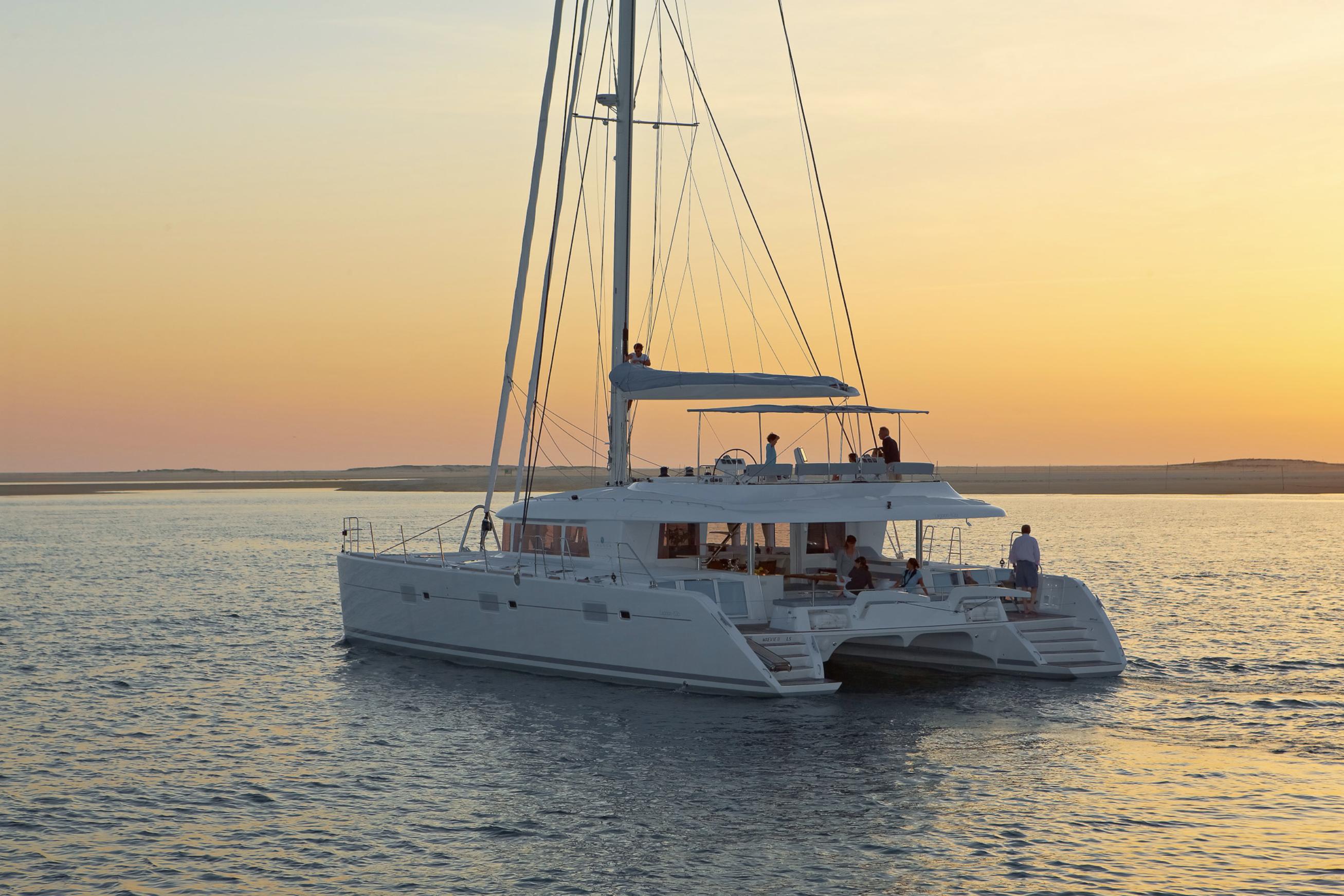 Alquiler de catamaranes Ibiza Lagoon 620