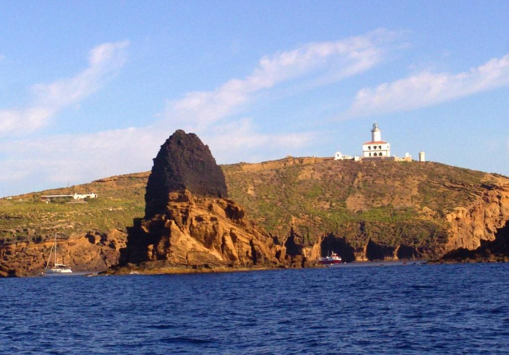 Columbretes-illa-grossa-1024x713