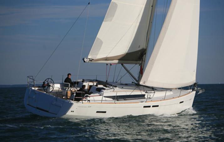 Alquiler de veleros ibiza Jeanneau sun Odyssey 439
