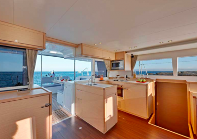 interior de madera de barco
