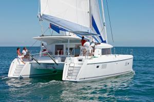 alquiler catamaranes en Ibiza Lagoon 421 -40.27