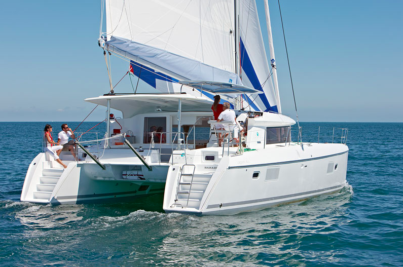 Alquiler de catamaranes Ibiza Lagoon 421
