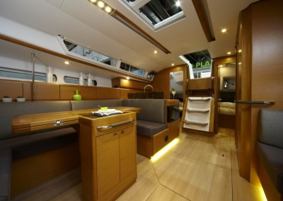 boat-439_interieur_20110202162955