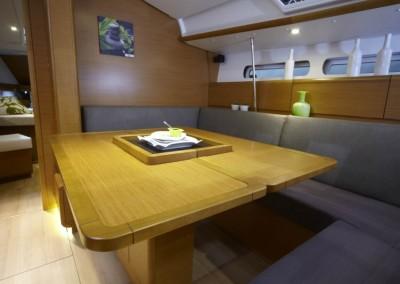 boat-439_interieur_20110202163147