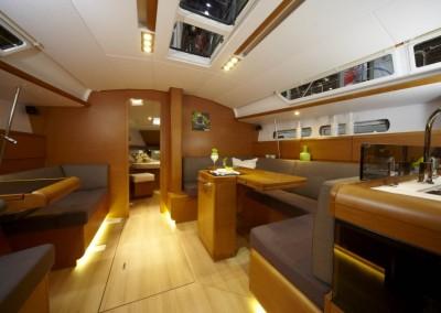 boat-439_interieur_20110202163210