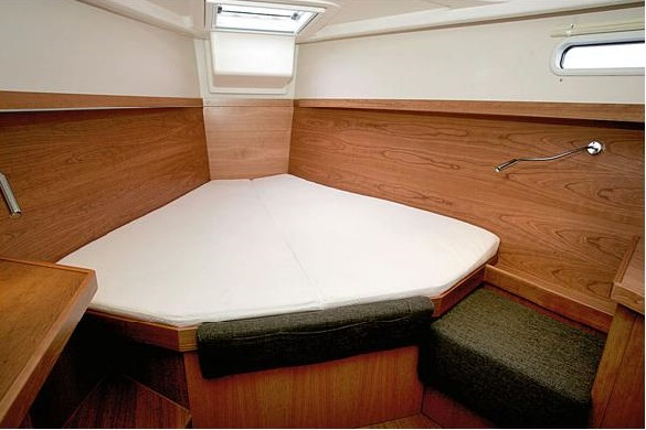 hanse 415 alquiler veleros camarote proa