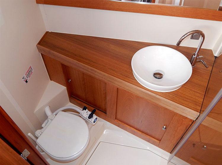 hanse 415 alquiler veleros wc popa