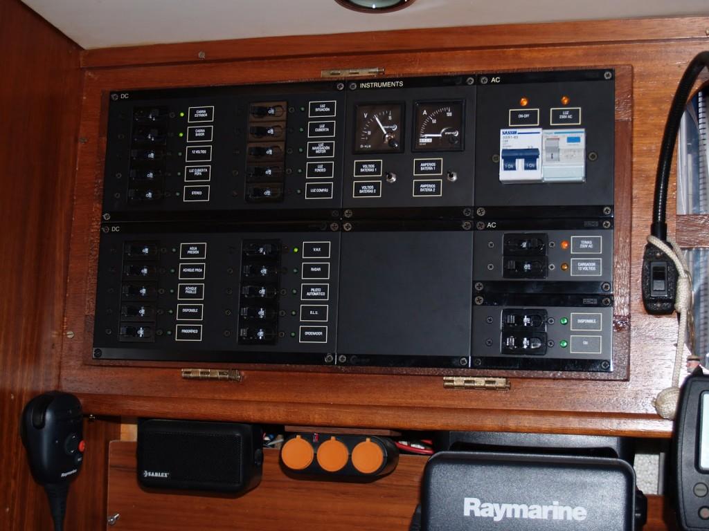 panel velero alquiler ibiza