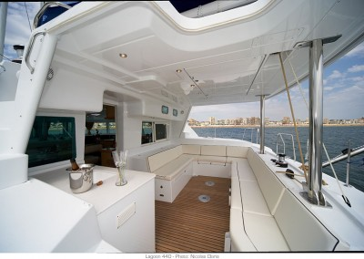 alquiler veleros ibiza lagoon 440 5