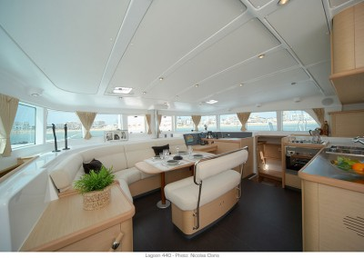 alquiler veleros ibiza lagoon 440 7