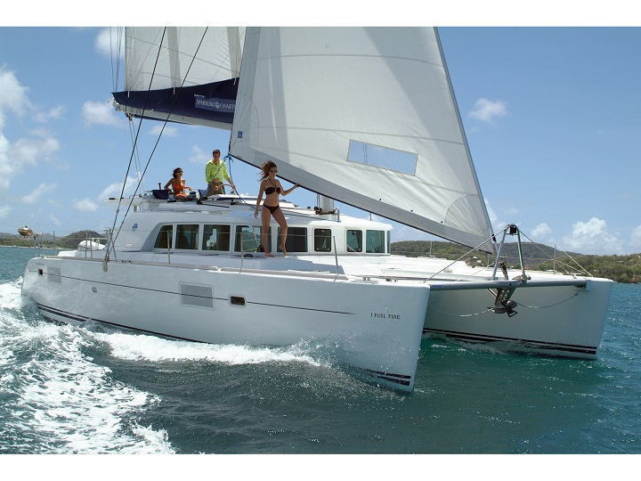 Alquiler de catamaranes Ibiza Lagoon 440