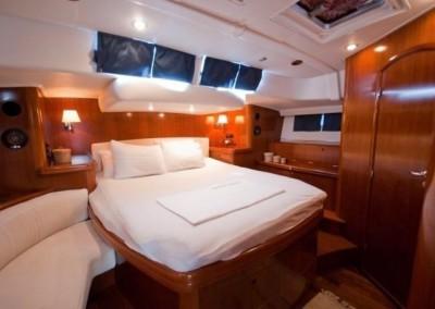 Alquiler de veleros en Ibiza Beneteau 57