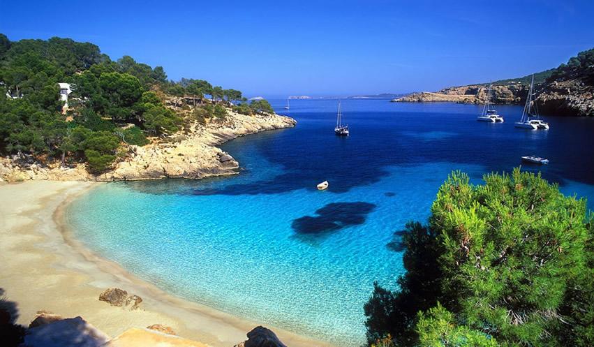 Alquila un Velero en Ibiza con o sin Patrón
