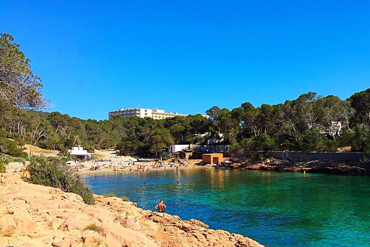 Cala gració Alquiler de barcos Ibiza y Formentera Veleros Catamarasnes Yates Lanchas Motoras