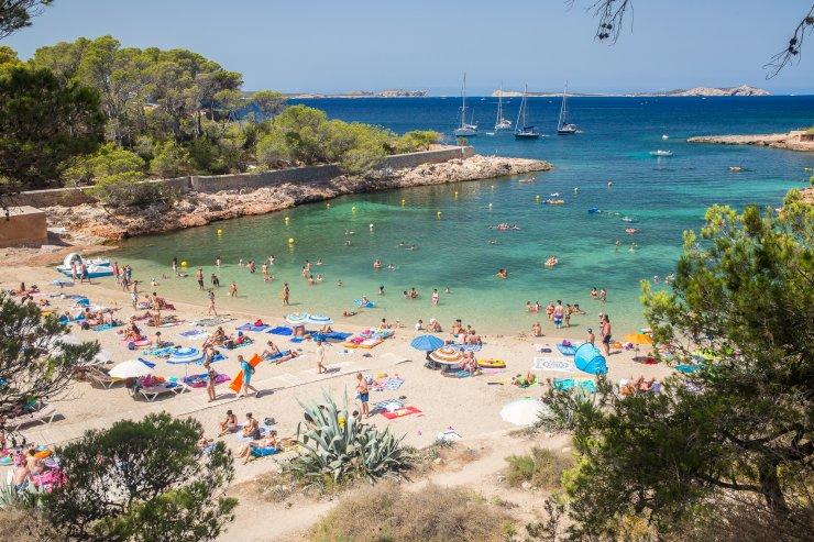 cala gracio Alquiler de barcos Ibiza y Formentera Veleros Catamaranes Yates Lanchas Motoras