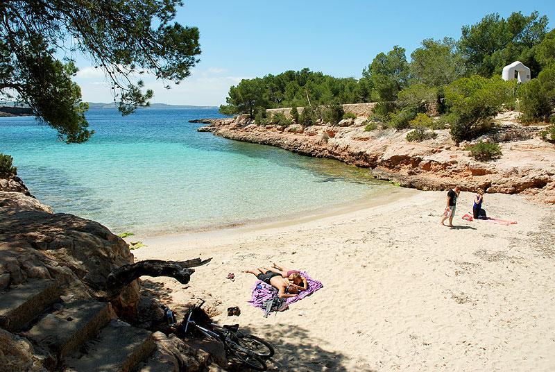 cala gracioneta 1 jpg Alquiler de barcos, alquiler de veleros, alquiler de catamaranes alquiler de lanchas motoras Ibiza y Formentera