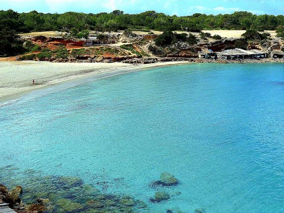 cala saona arena blanca Alquiler de barcos Veleros Catamaranes Yates Motoras Ibiza y Formentera