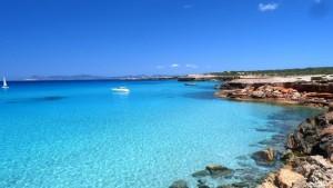 Alquiler de barcos veleros, catamaranes en Formentera cala-saona-bloque-3-300x169