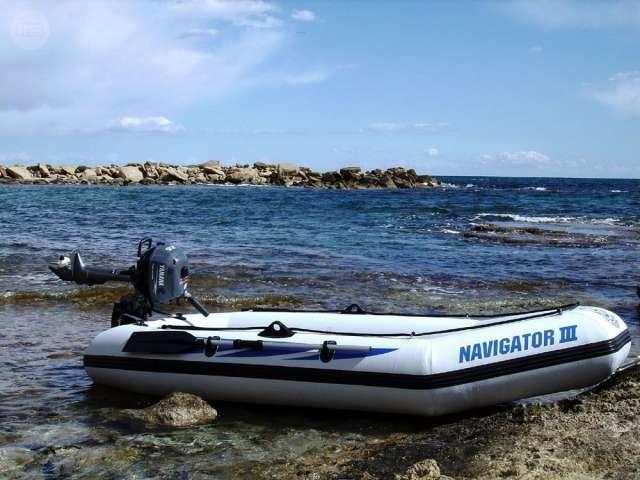 fueraborda auxiliar jpg Alquiler de barcos veleros, catamaranes yates, motoras