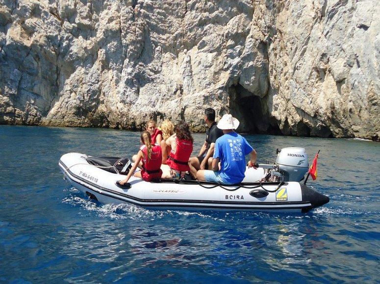 ruta en una auxiliar Alquiler de barcos ibiza y Formentera Veleros Catamaranes