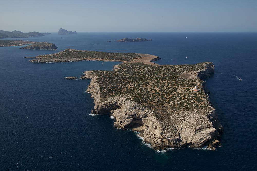 Illa Conillera jpg Alquiler de barcos veleros alquiler de catamaranes alquiler de yates alquiler de lanchas motoras Ibiza Formentera Mallorca Valencia