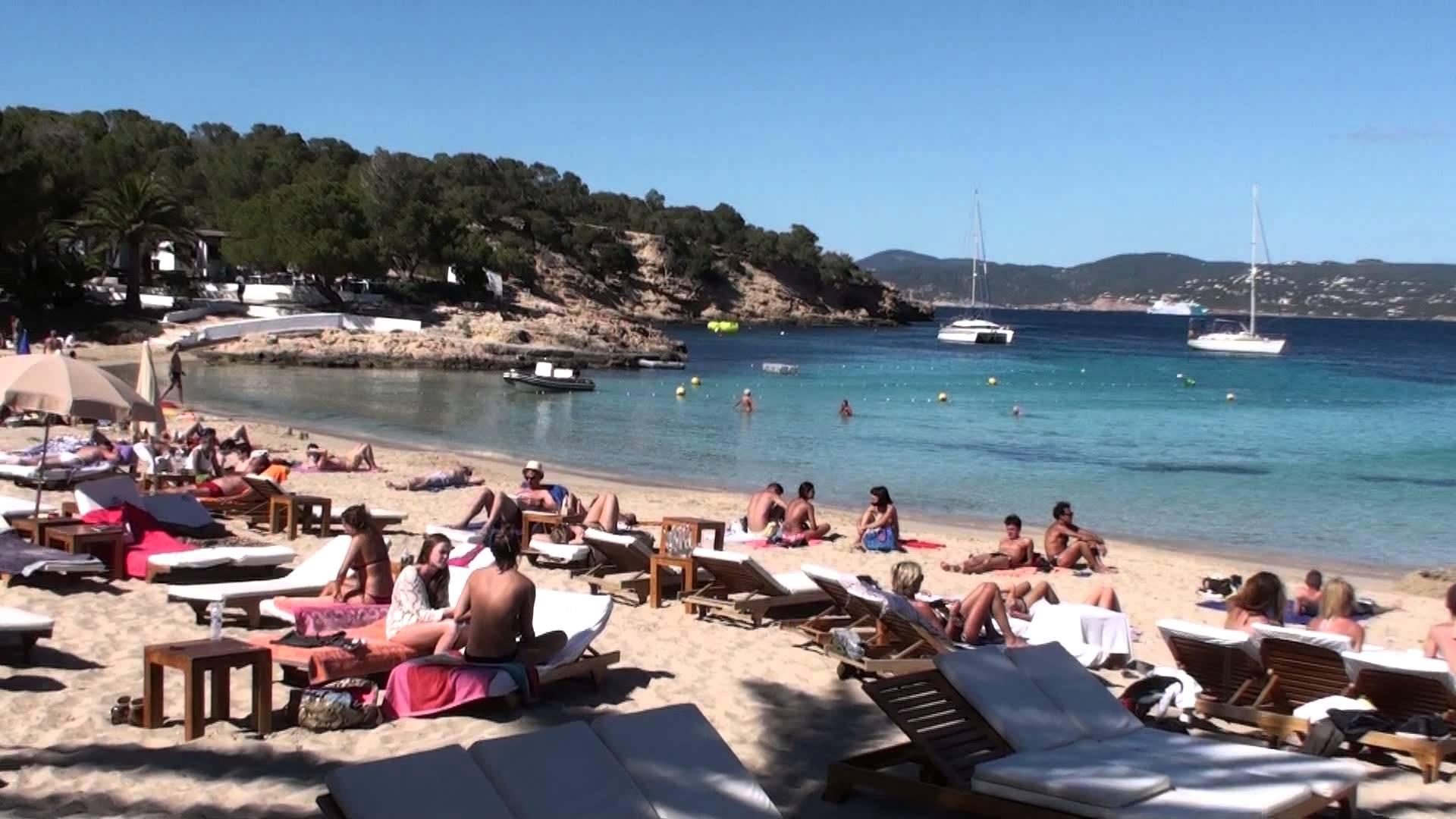 cala bassa 3 jpg Alquiler de barcos veleros catamaranes yates lanchas motoras Alquiler de barcos en Ibiza y Formentera Mallorca Valencia