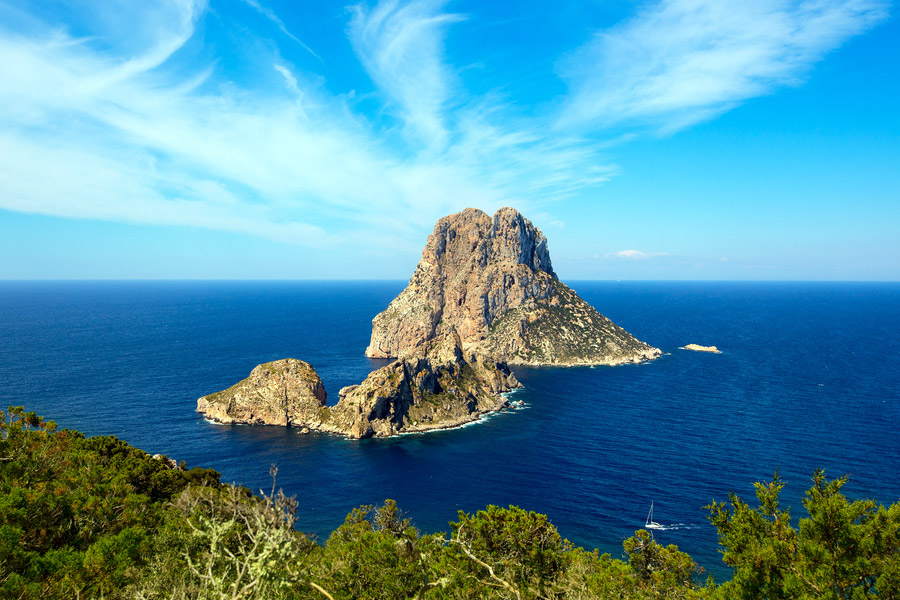 es-vedra alquiler de barcos veleros, alquiler de catamaranes, alquiler de yates, alquiler de motoras Ibiza formentera