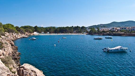 port-des-torrent Alquiler de barcos veleros Alquiler de catamaranes alquiler de yates alquiler de barcos en Ibiza y Formentera