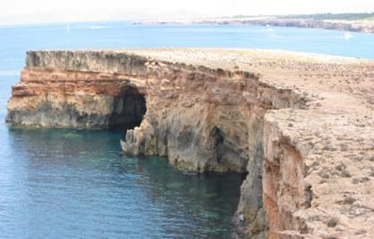 alquiler-barcos-ibiza- veleros-catamaranes-yates-motoras cuevas punta rasa jpg