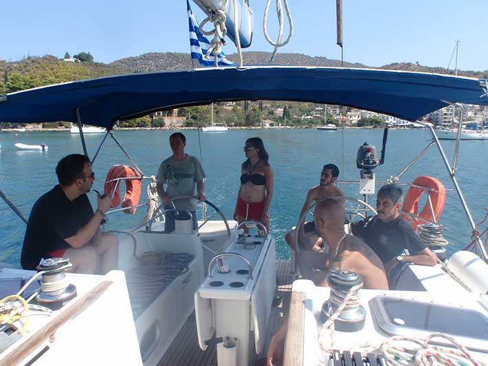 Alquiler-barcos-Ibiza-Formentera-Veleros-Catamaranes-Yates-Motoras-vida-a-bordo-velero-01