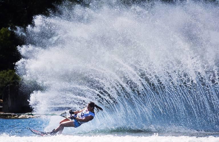 Navega y practica deportes náuticos