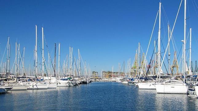 Veleros y catamaranes en Valencia