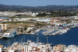 alquiler-catamaranes-ibiza-club-nautico-de-ibiza-2-jpg
