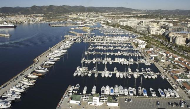 alquiler-de-catamaranes-ibiza-marina-botafoch-jpg