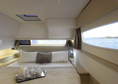 alquiler-catamaranes-Ibiza-Saba50-r5d1326-950x570