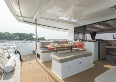 alquiler-de-barcos-Helia44photo-3-helia-950x570