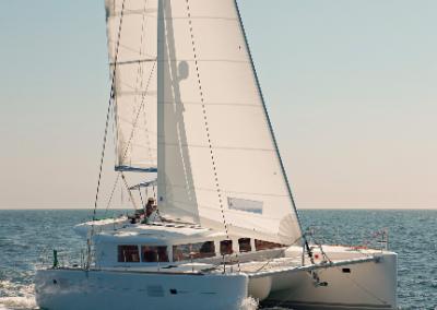 alquiler-de-barcos-en-Ibiza-Lagoon450-4.22
