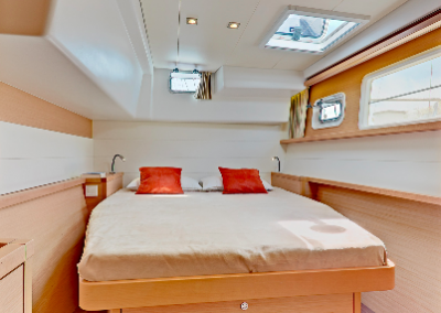 alquiler-de-barcos-en-Ibiza-Lagoon450-6.32