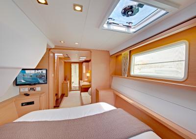 alquiler-de-barcos-en-Ibiza-Lagoon450-6.41