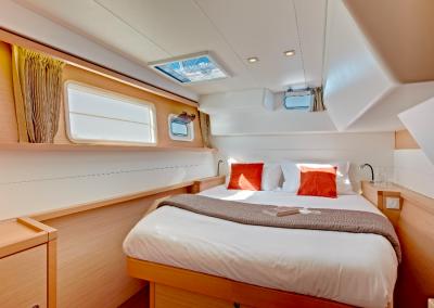 alquiler-de-barcos-en-Ibiza-Lagoon450-7.14