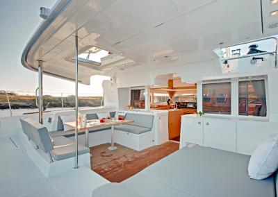 alquiler-de-barcos-en-Ibiza-Lagoon450-8.20