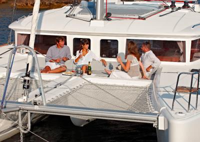 alquiler-de-barcos-en-Ibiza-Lagoon450-9.12