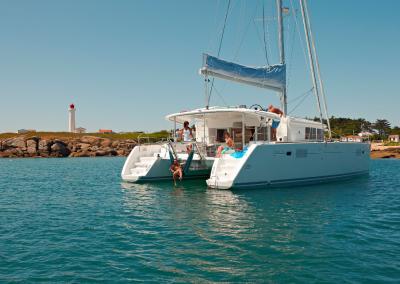 alquiler-de-barcos-en-Ibiza-Lagoon450-9.30