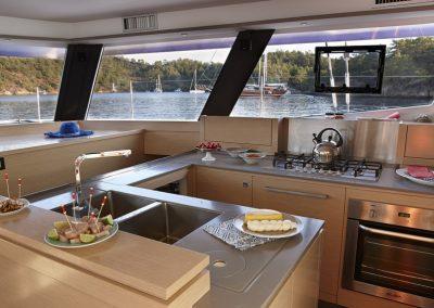 alquiler-de-catamaran-Ipanema58-jvb2087-1-950x570