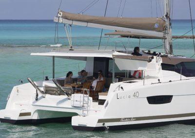 alquiler-de-catamaran-Lucia40-9-950x570