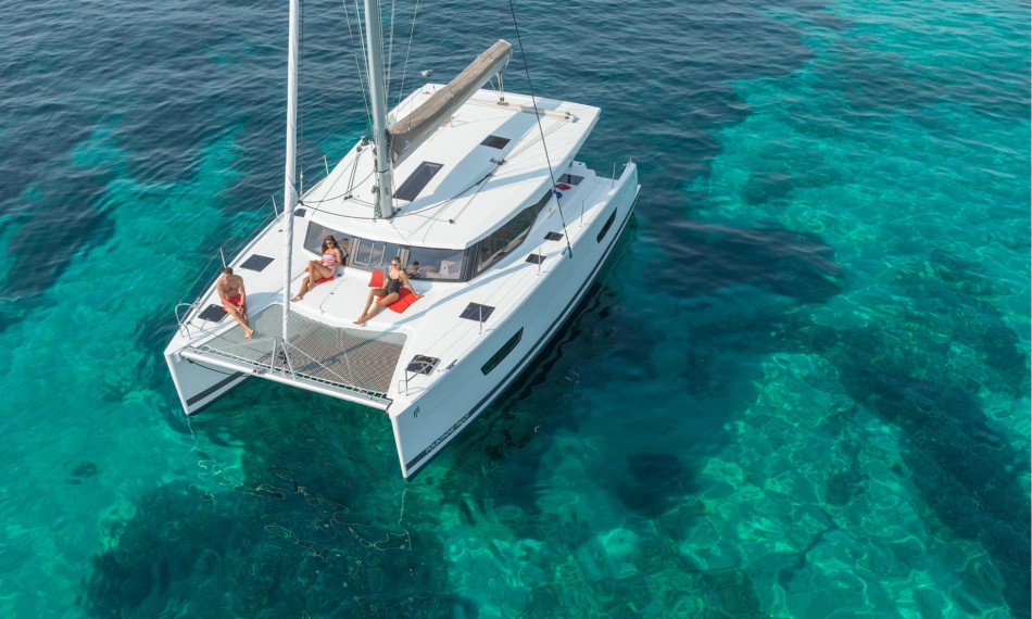 Alquiler catamaran ibiza lucia 40