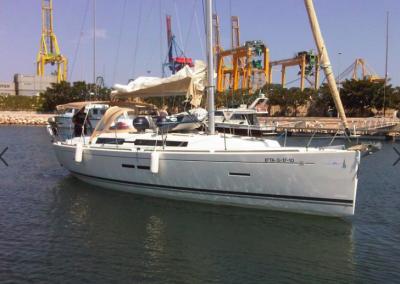 Alquiler de velero dufour 405