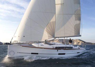 Alquiler-de-veleros-dufour-410