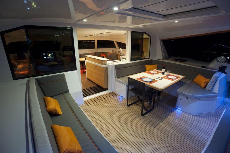 Nautitech-542-alquiler-catamaran-ibiza