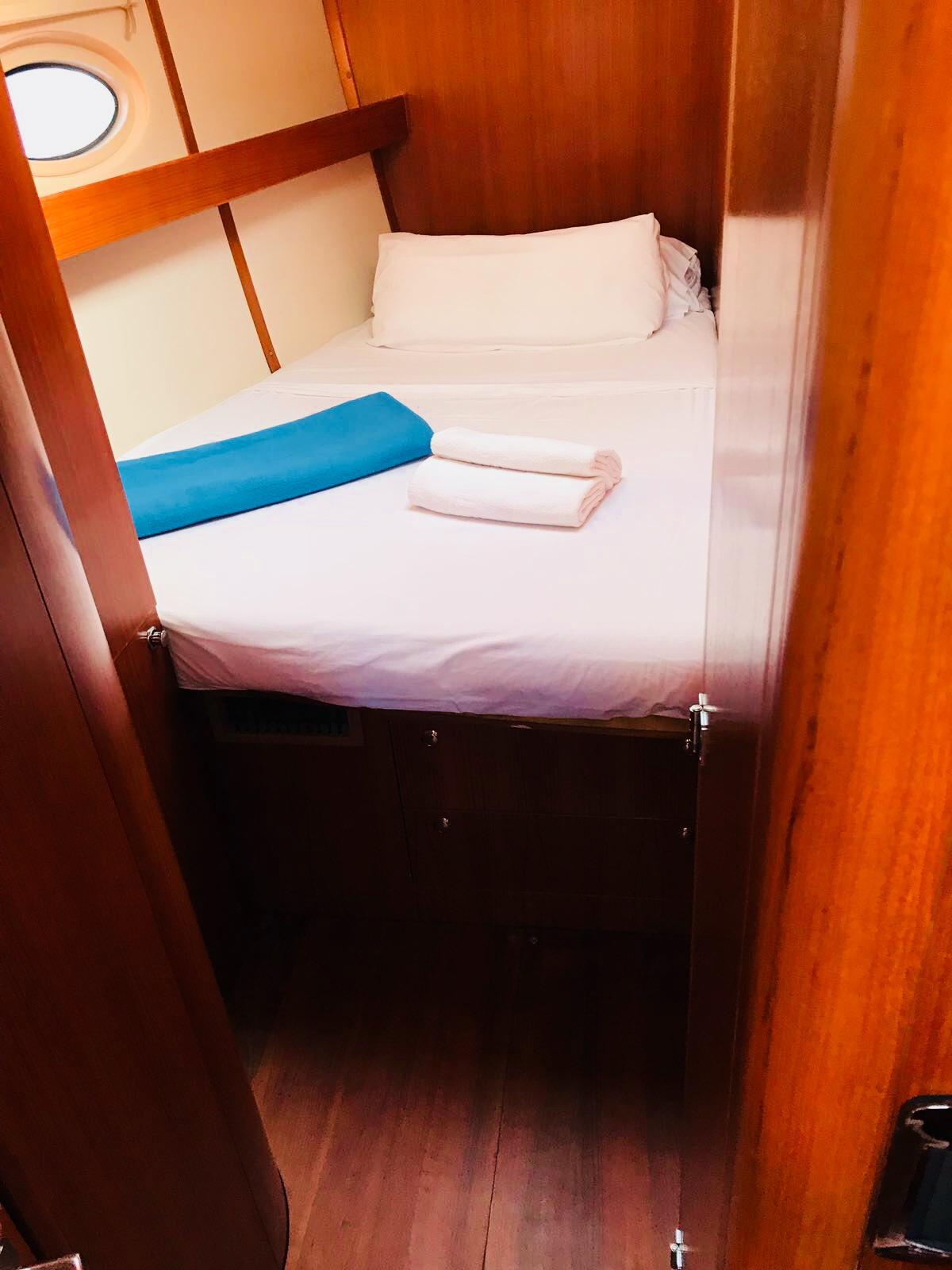 alquiler-veleros-Ibiza-Elan